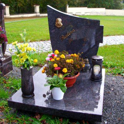 Urnový kamenný hrob