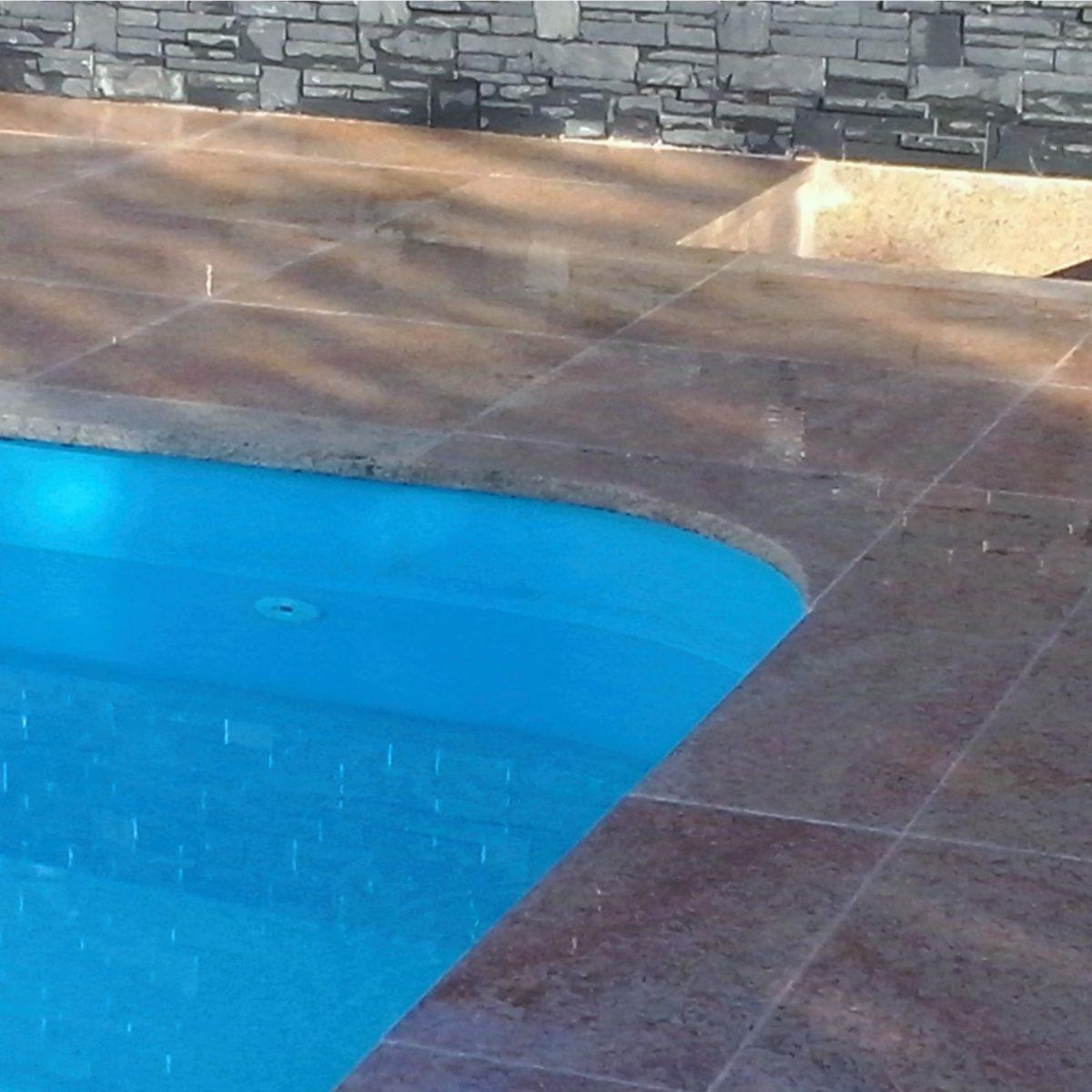 Bazény a venkovní dlažba