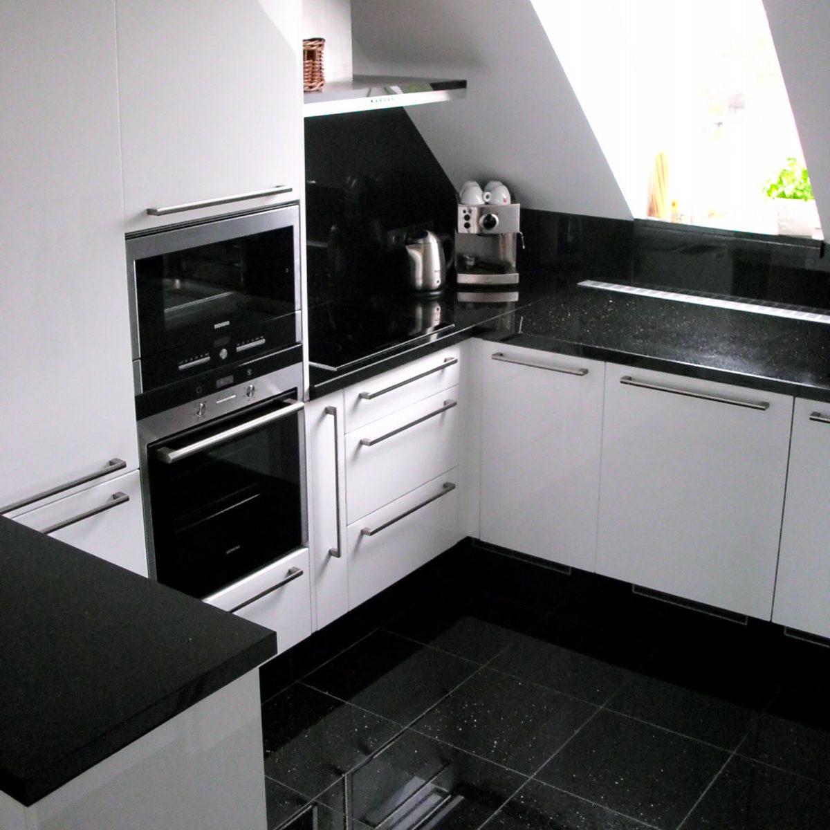 Kamenné kuchyňské a koupelnové desky