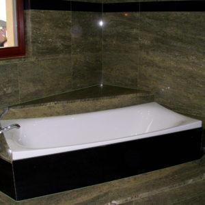 Kamenný obklad koupelna