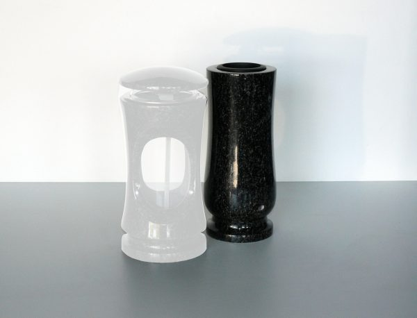 váza černá